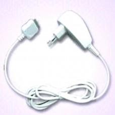 Apple Chargeur de voyage pour iPod avec entrée AC 100-250V 50-60Hz