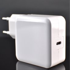 New Apple 29W Type C Power Adapter for MacBook (2015 or later)
